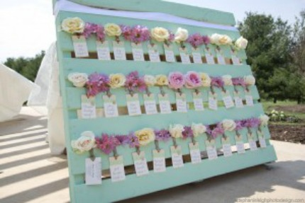 Mint Green Wood Palette Escort Card Display Photo by Stephanie Leigh Photography via Simplicity Events