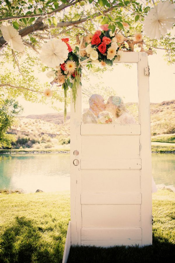 How To Use Old Doors In Your Wedding Decor