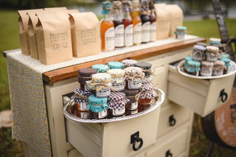 DIY Mason Jar Wedding Favors