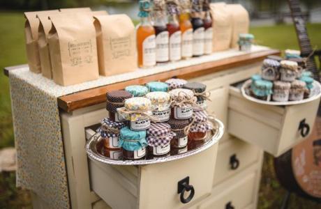 DIY Mason Jar Wedding Favors
