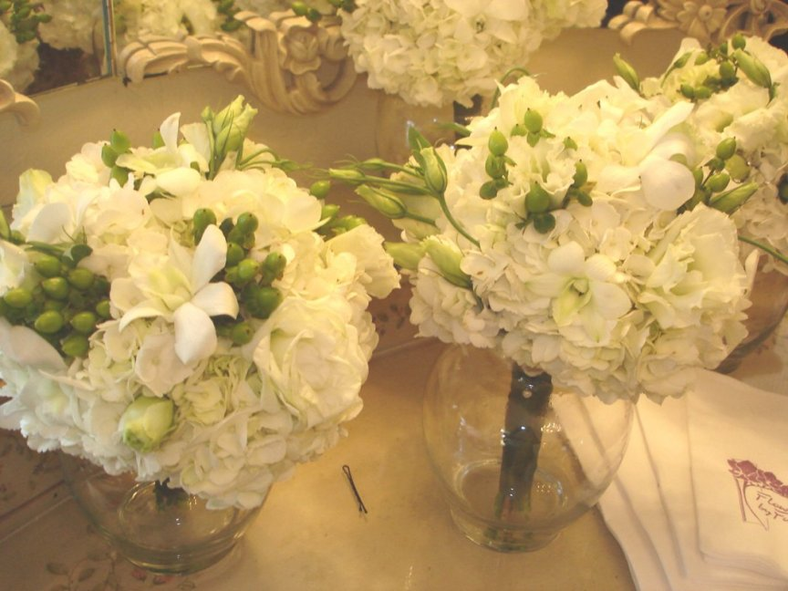 All white bridal bouquets for Sarasota weddings