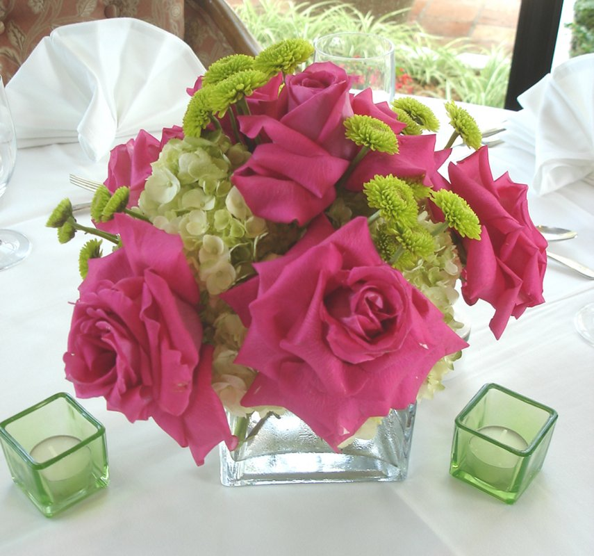 Floral Centerpiece of Hot Pink Roses