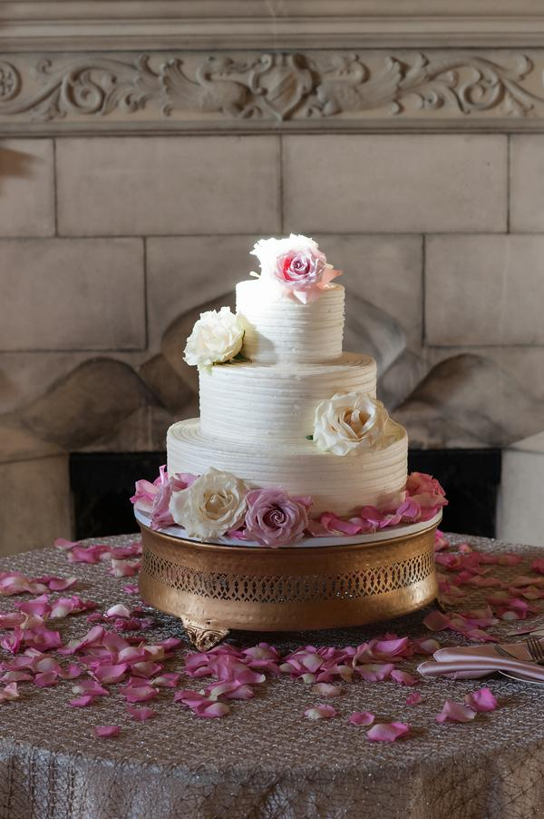 Wedding Cake with White and Pink Roses