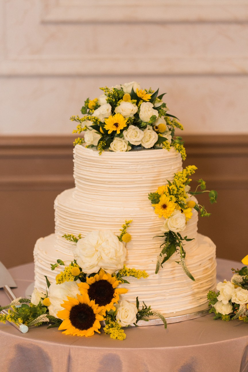Cake with Sunflowers