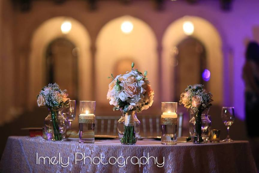 Sweetheart Table with Bouquet and Floating Candles