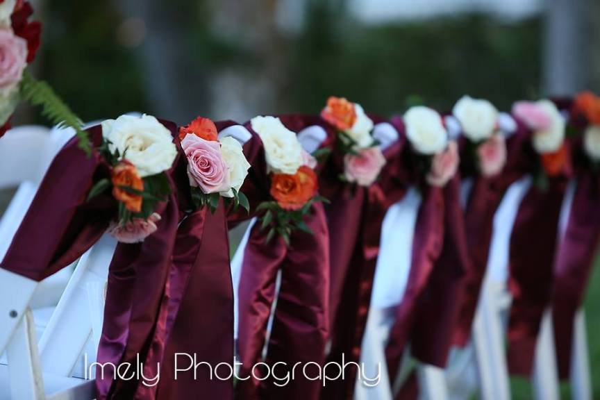 Gorgeous Rich Sashes at Back of Aisle
