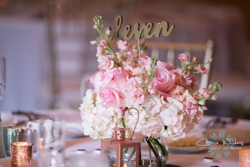 Table Centerpiece with Hydrangea and Roses