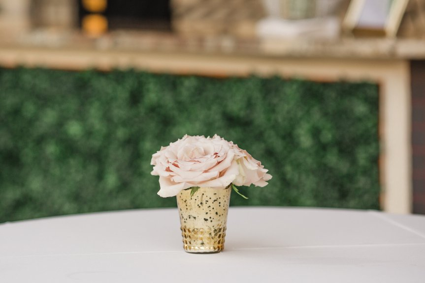 Open Quicksand Rose in Gold Scalloped Holder Cocktail Table