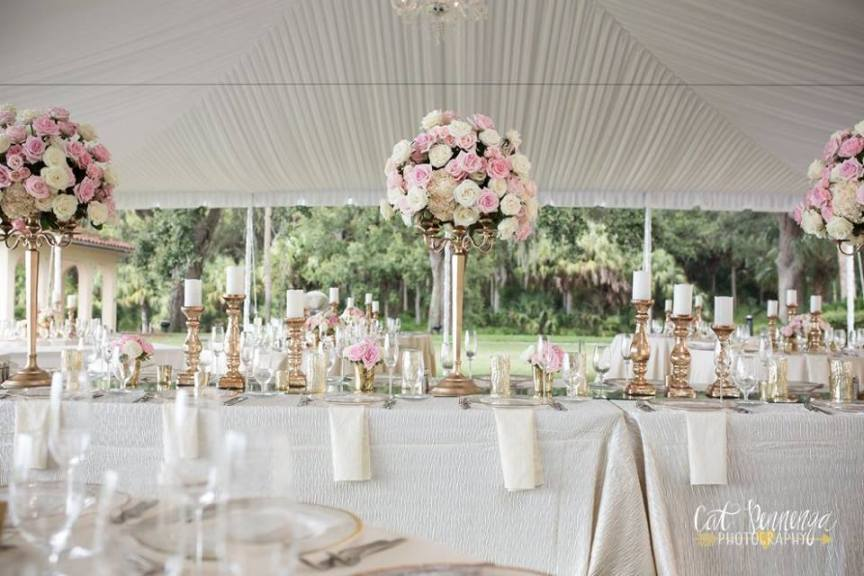 Head Table with Large Roses Centerpiece