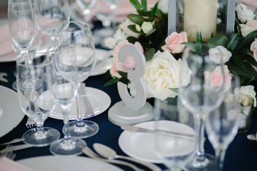 Low table centerpiece in pink and white