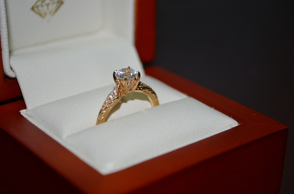 Perfect engagement ring - WeddingsAbroad.com