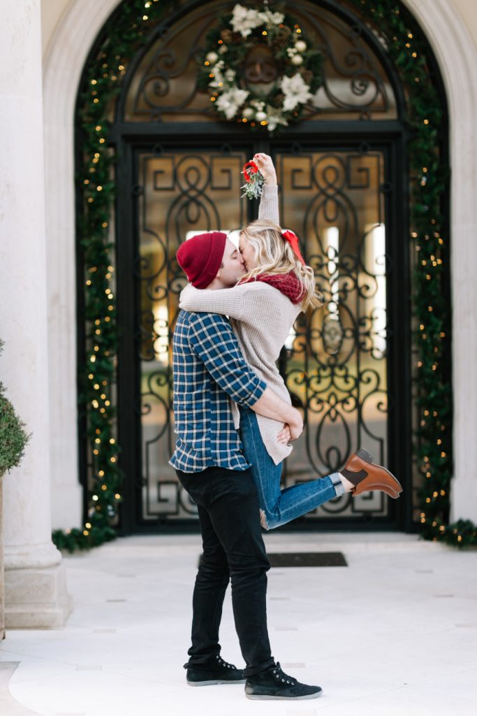 8 Best Engagement Announcement Ideas This Holiday Season
