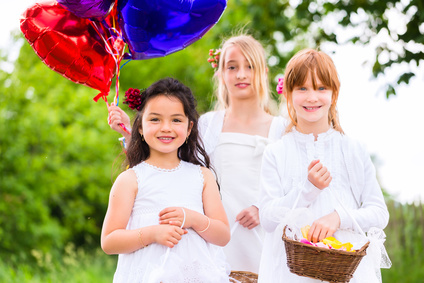 flower girls with balloons