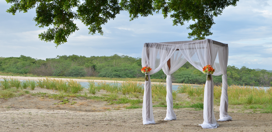 Costa-Rica-Elope-Wedding-Planner-Sol-Dance-Weddings