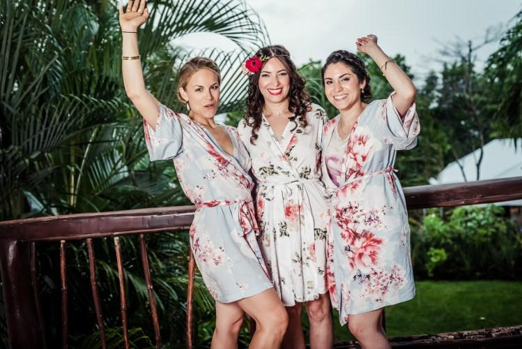 costa-rica-wedding-bride-bridesmaid-robes