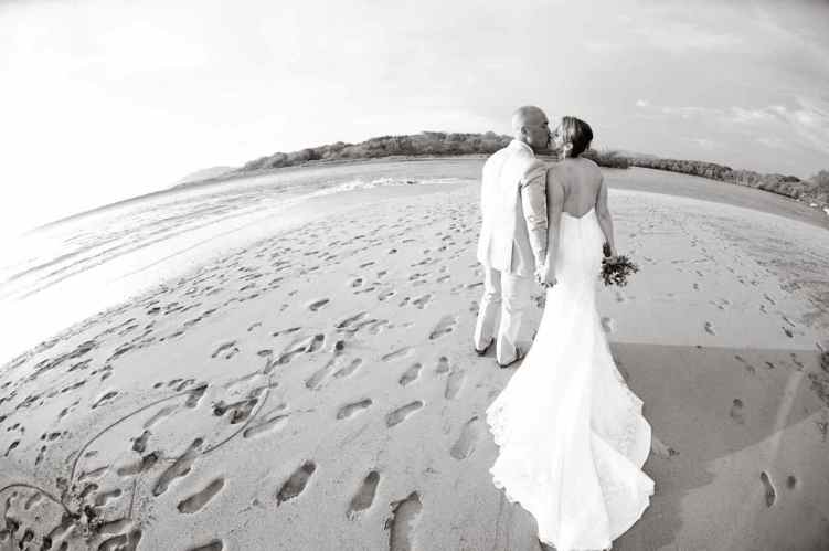weddings-costa-rica-beach-bride