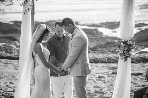 bride-and-groom-prayer