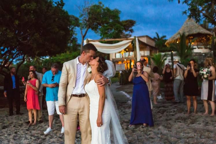 costa-rica-wedding-maxwell