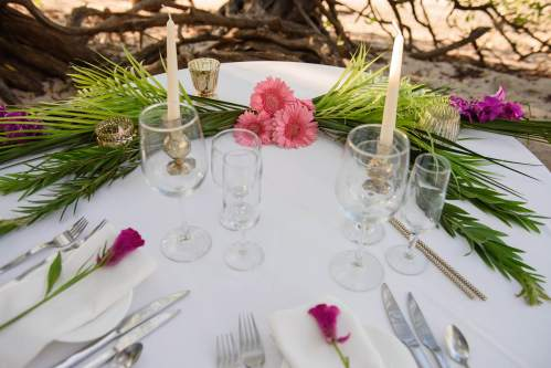 elopement dinner table beach wedding