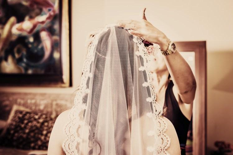 Maxwell-weddings-costa-rica-bridal-mantilla-veil
