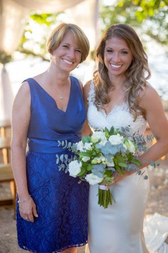 bride-mother-beach-wedding