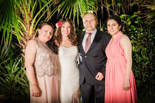 weddings-costa-rica-family-photo-bride