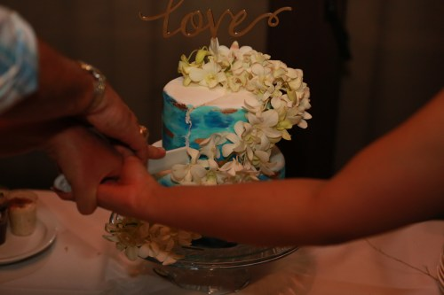 blue-wedding-cake-orchids