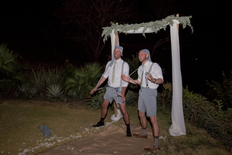 costa-rica-weddings-groomsman-party
