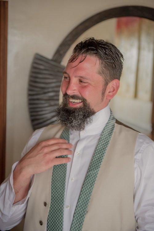 maxwell-weddings-groom-prep