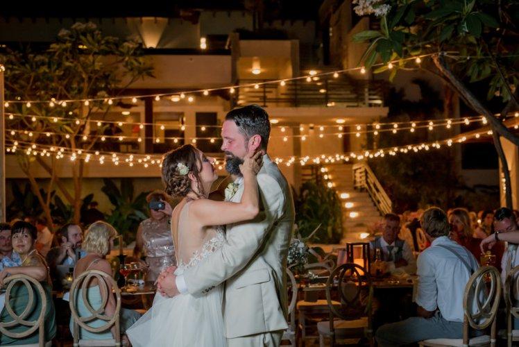 weddings-costa-rica-first-dance