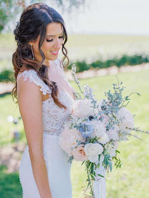 2020 Wedding Bouquet Trends_ Boho Chic Style bouquet with hint lavender blue flowers