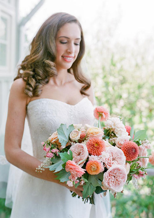 2020 Wedding Bouquet Trends_ Coral Pink flowers with greenery bouquet