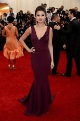 Selena Gomez in Diane Von Furstenberg