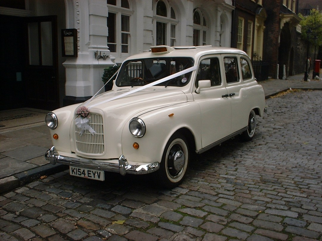 Wedding Taxis - View our Classic London Wedding Taxis