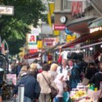 Müllerstraße: Großer Boulevard mit Lackschäden
