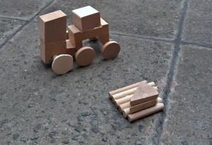 Ganz neu im Angebot ist die Holzwerkstatt. Dabei können Kinder bis 8 Jahre mit ihren Eltern werkeln. Foto: FamilienZentrum