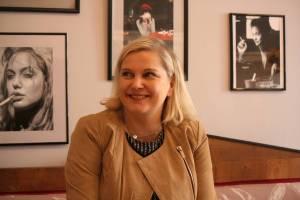 Nicola Aleffe. Inhaberin des Coffee & Vino. FotoAndreiSchnell.