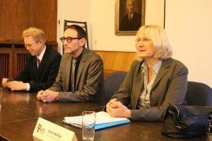 Sabine Weissler (vorn rechts) entscheidet über Verkehr. Foto Andrei Schnell.