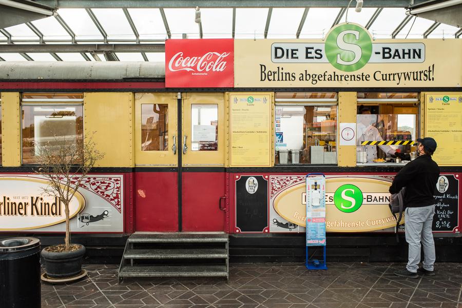 Der berühmte (Es)S-Bahn-Currywurst-Wagen