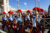 Rome xmas day guards marching