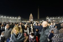 Rome xmas eve crowd in seats