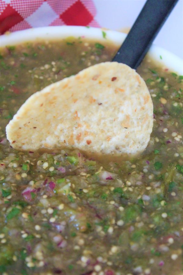 Chipolte copy cat Tomatillo Green-Chili Salsa