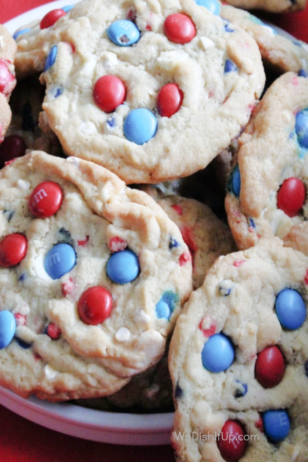 Easy 4th of July Patriotic USA M&M Chocolate Chip Cookies