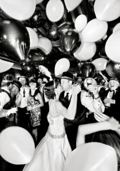 balonky vypusťte po půlnoci