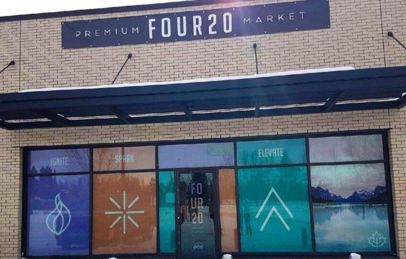 Four 20 Premium Market | Pembina