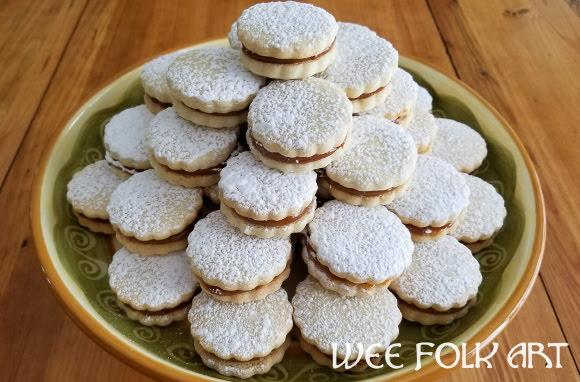 Alfajores Recipe :: Caramel Cookies