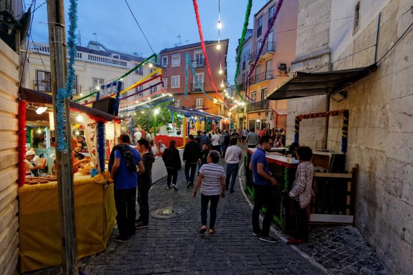 rue de Lisbonne pendant les fetes de Saint-Antoine