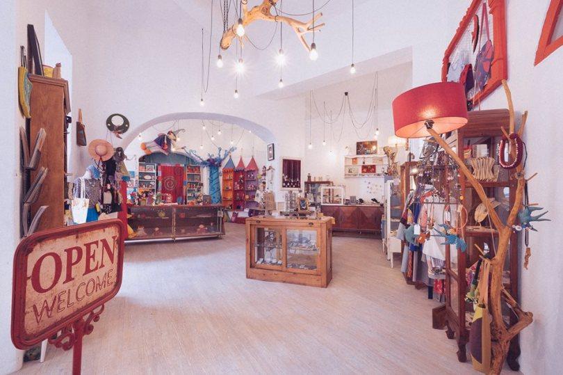 o-voo-da-andorinha-boutique-createurs-lisbonne-cadeaux-souvenirs