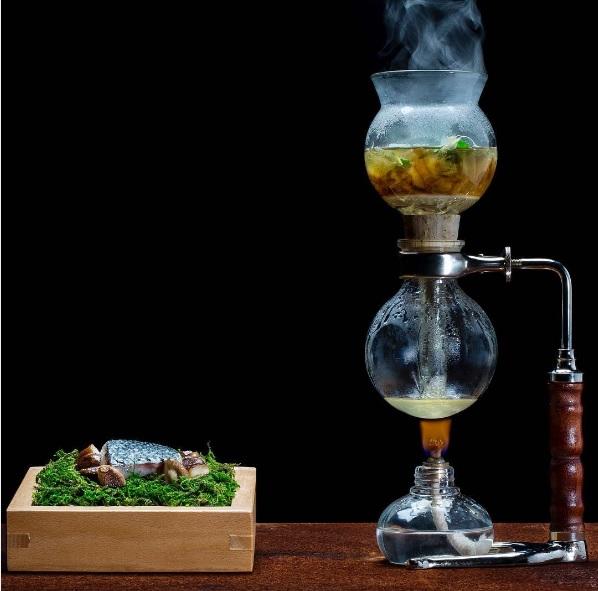 plat-loup-de-mer-avec-infusion-de-champignons-fermentes-restaurant-loco-lisbonne