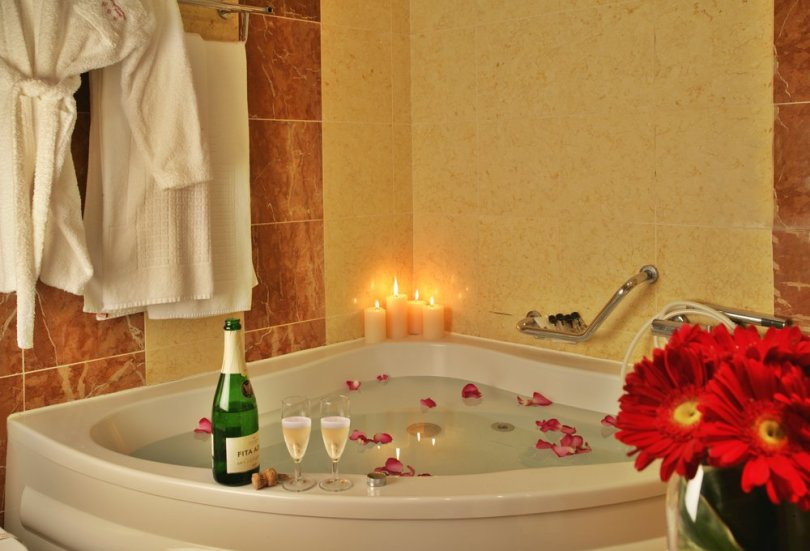 America Diamonds Hotel - Baignoire Spa des chambres double Romantique - Hotel Lisbonne